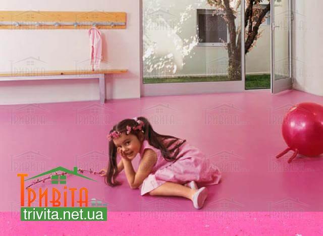 Фото 2. Натуральный линолеум в детской