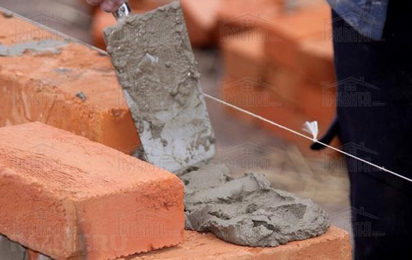 Фото 15. Что нужно учитывать при кладке стен и столбов в зимних условиях?