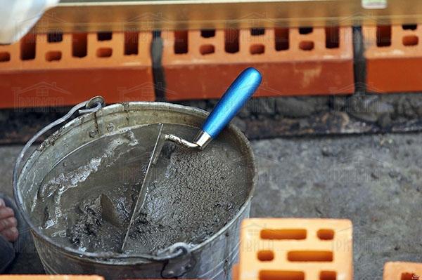Фото 6. Как выполняется каменная кладка на растворах с химическими добавками?