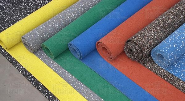 Фото 1. Резиновые покрытия и линолеум