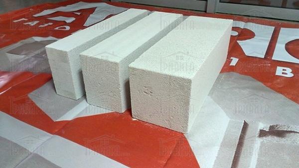 Фото 1. Теплоізоляційні блоки Aeroc Energy