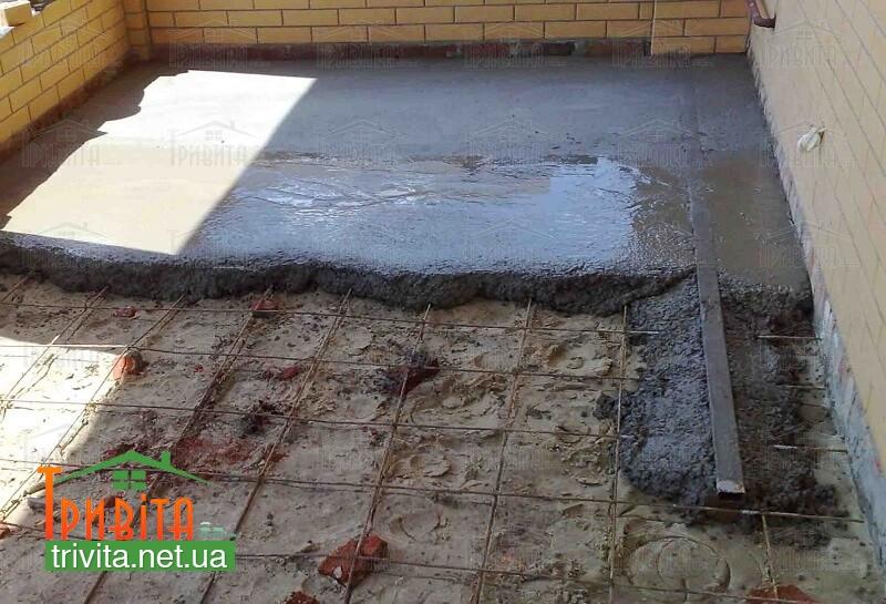 Фото 1. Заливка бетонної стяжки