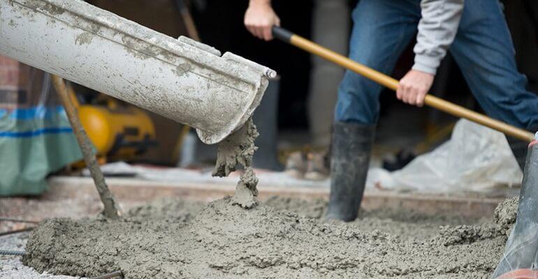 Цемент на стройплощадке