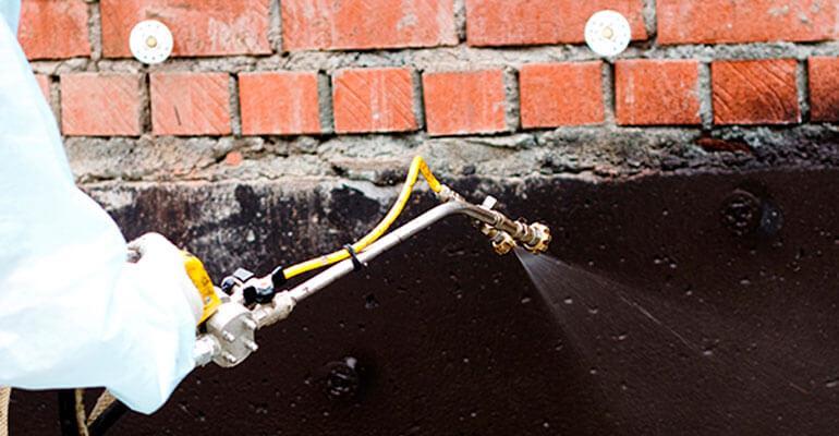 Фото 1. Для чего нужна гидроизоляция фундамента?
