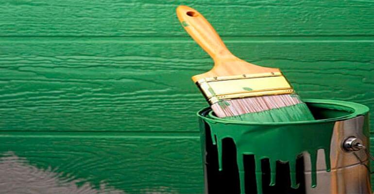 Фото 1. Нанесение алкидной краски
