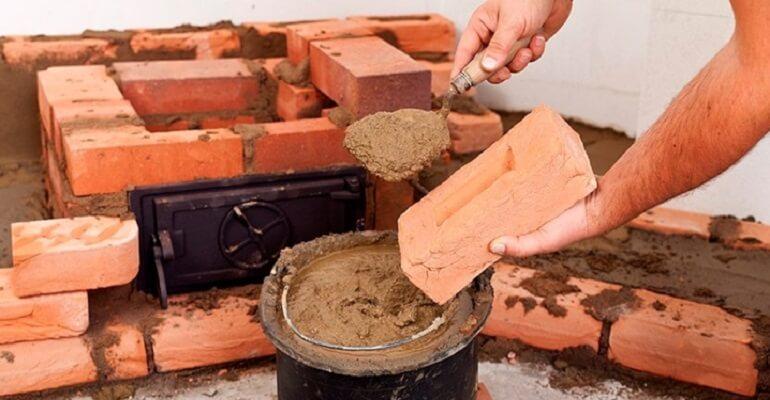 Кладка кирпича на шамотную глину