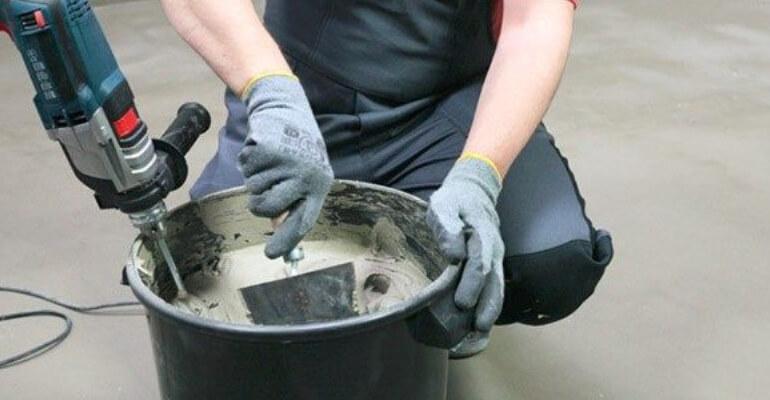 Чи можна змішувати клей для плитки з цементом