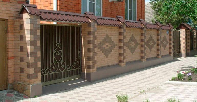 Фото 6. Вибираємо зовнішній вигляд паркану з цегли