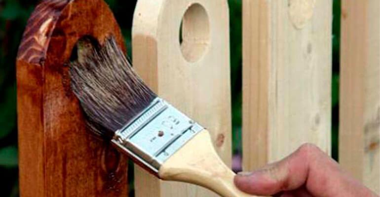 Фото 1. Захист деревини від вологи і гниття