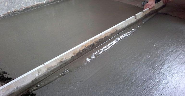 Заливка бетонної основи