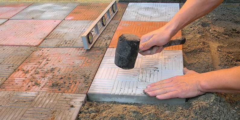 Как укладывать плитку на старый бетон
