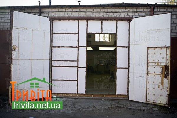 Фото 4. Утепление металлических ворот гаража